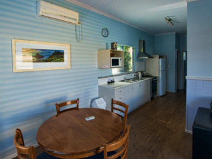 Busselton Holiday Village - Chalet