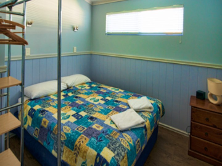 Busselton Holiday Village - Chalet Double Room